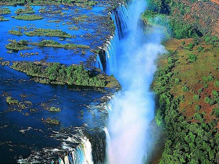 Водопад Виктория в Замбии