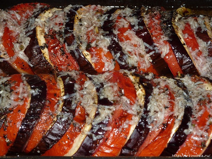 Баклажаны запеченные с помидорами