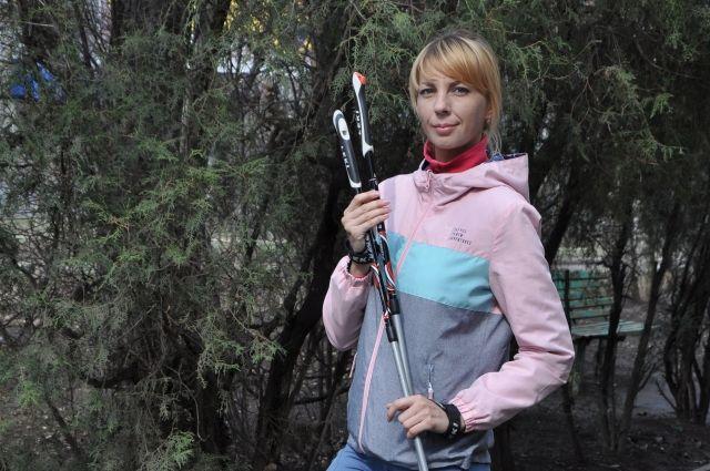 С чего начиналась скандинавская ходьба, как правильно шагать и выбирать амуницию, «АиФ-Юг» рассказала тренер Татьяна Калитурина.