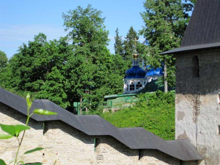 Псково-печорский монастырь