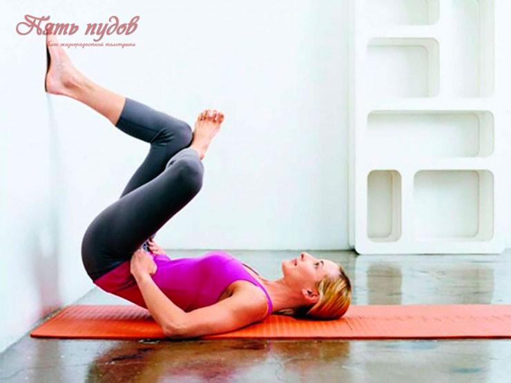 упражнения у стены