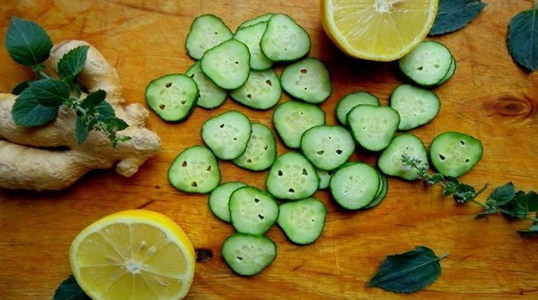 огурцы и лимоны